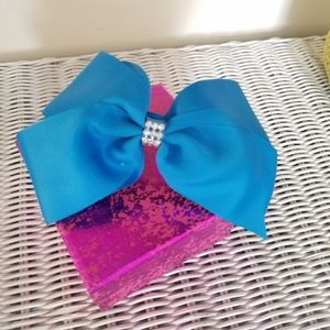Other - 3/$15 Special! Headband with a bow